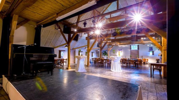 De Boerderij Huizen : De boerderij huizen theaterrestaurant uitgaanskrant